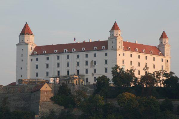 Zamek bratysławski był niegdyś siedzibą Świętej Korony (autor: Peter Zelizňák, lic.: CC BY-SA 3.0).