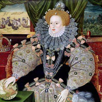 Olbrzymi kołnierz, tapeta jak tynk, długie palce... Dla wielu to niezbite dowody, że Elżbieta I była mężczyzną. Królowa po rozgromieniu Armady (źródło: domena publiczna).