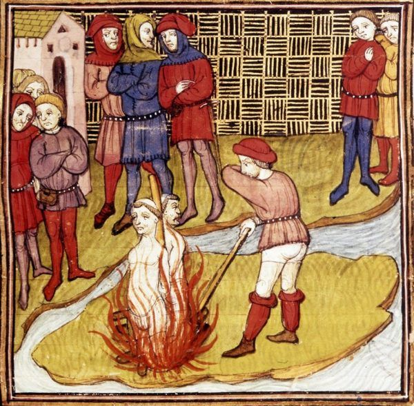 """Klątwa, którą jakoby rzucił Jakub de Molay, prześladować miała Francję jeszcze przez wieki. Miniatura z """"Chroniques de France"""" przedstawiająca płonącego na stosie wielkiego mistrza templariuszy (źródło: domena publiczna)."""