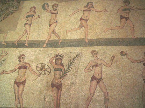 Dla wielu statecznych Rzymian gorszące było, gdy na boiskach przy łaźniach pojawiały się panie ćwiczące zapasy (autor: M. Disdero, lic.: CC BY-SA 2.5).