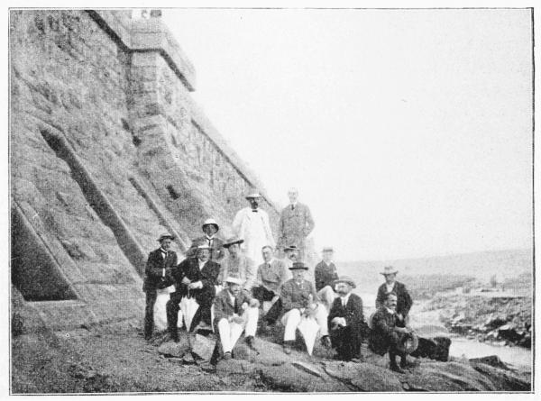 Cecil Rhodes i inni przedstawiciele brytyjskiej rasy panów (źródło: domena publiczna).