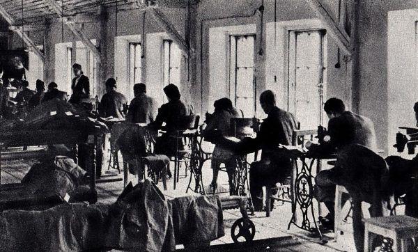Przeciętne wynagrodzenie robotnika w okupowanej Warszawie nie wystarczało na podstawowe potrzeby. Szmalcownik żył na zupełnie innym poziomie (źródło: domena publiczna).