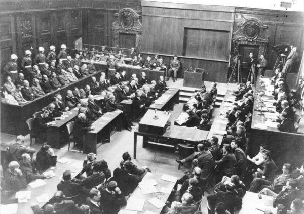 Alianci uznali, że Reinefarth przyda się w Norymberdze jako świadek! (źródło: Bundesarchiv, lic.: CC BY-SA 3.0 de).