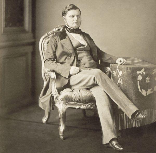 To hrabia Walewski poradził hrabiemu Castiglione, gdzie szukać najpiękniejszej z dam. Nie spodziewał się, że polecana kobieta odegra w historii Włoch rolę podobną, co jego własna matka... (fot. Pierre'a-Louisa Piersona z 1856 roku, źródło: domena publiczna).
