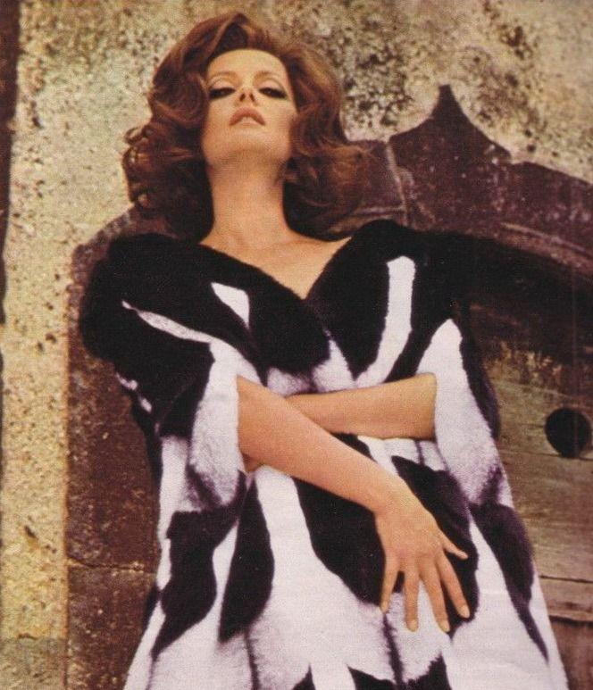 """Virna Lisi we włoskim magazynie """"Oggi"""" w 1968 roku (źródło: domena publiczna)."""