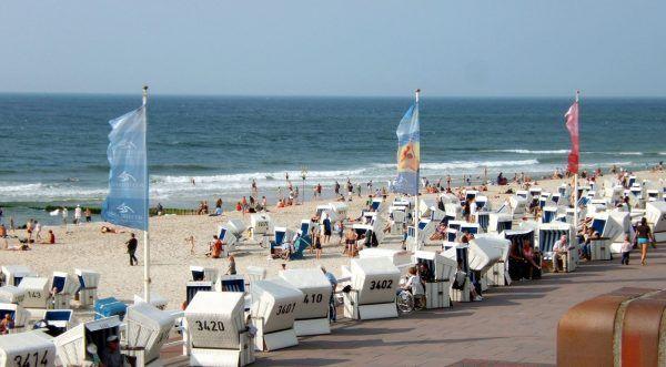 Reinefarth został burmistrzem sielskiej, nadmorskiej miejscowości. Na zdjęciu plaża w Westerland (autor: Toksave, lic.: CC BY-SA 3.0).