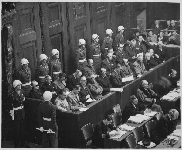 Trybunał w Norymberdze nie przyniósł sprawiedliwości wszystkim nazistowskim katom. Wielu z nich, pomimo ogromu zbrodniu, dożyło sędziwego wieku w komforcie i dostatku (autor: Ray D'Addario, źródło: domena publiczna).