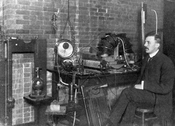 Na nic się zdały zabiegi noblisty w dziedzinie chemii, Ernesta Rutheforda. Jego były współpracownik Piotr Kapica nie mógł wrócić do Cambridge (źródło, lic.: CC BY 4.0)