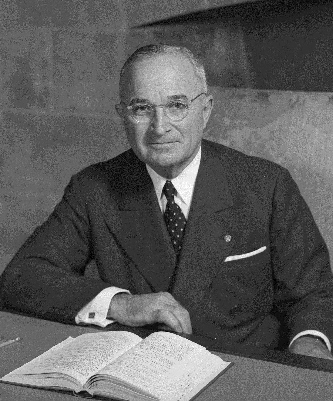 Harry S. Truman - prezydent USA, który jakoby założył MJ-12 (fot. U.S. National Archives and Records Administration, źródło: domena publiczna).