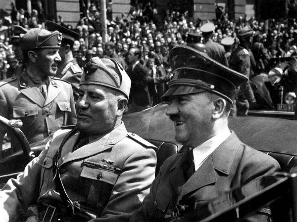 Na przełomie lat 30. i 40. obaj dyktatorzy niechętnie dzielili się planami swoich podbojów (źródło: domena publiczna).