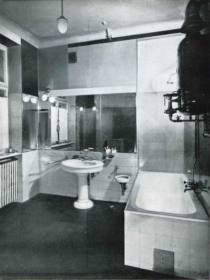 """Projekt nowoczesnej łazienki Barbary i Stanislawa Brukalskich (źródło: """"Wnętrze"""" nr 3, 1933)."""