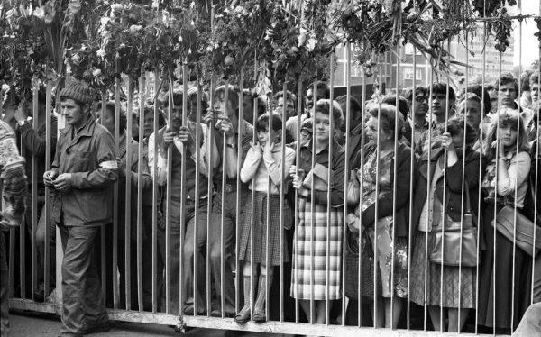 Strajk sierpniowy w Stoczni Gdańskiej im. Lenina (źródło: http://ecs.gda.pl/, licencja: CC BY-SA 3.0 PL).