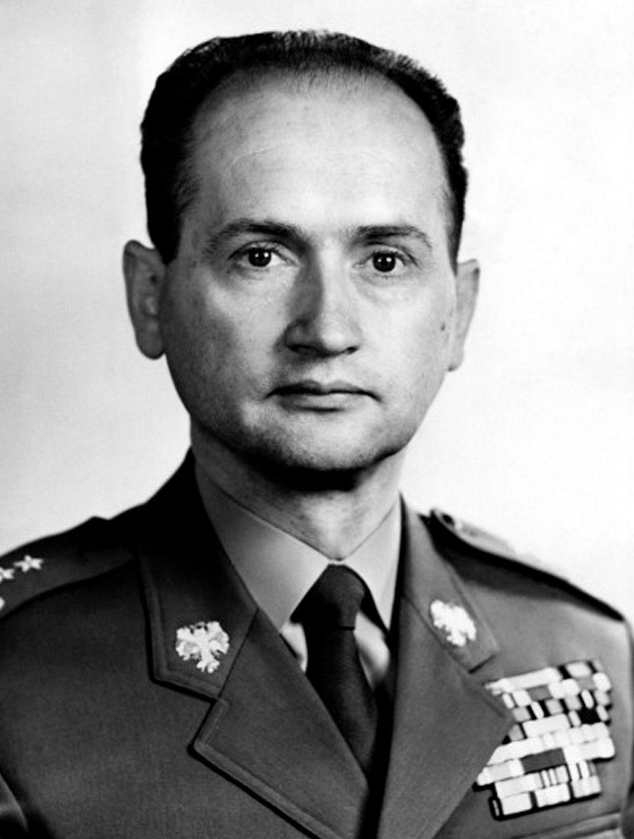 Młody Wojciech Jaruzelski mógł zginąć z rąk wyklętych (fot. domena publiczna).