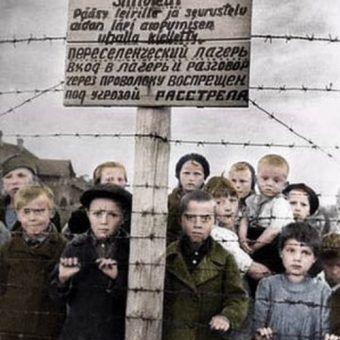 Rosyjskie sieroty w fińskim obozie (koloryzacja: Rafał Kuzak).