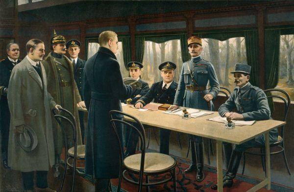 Podpisanie 11 listopada 1918 roku rozejmu w Compiègne, który zakończył horror Wielkiej Wojny. Zanim jednak do tego doszło życie straciło około 9 milionów żołnierzy (źródło: domena publiczna).