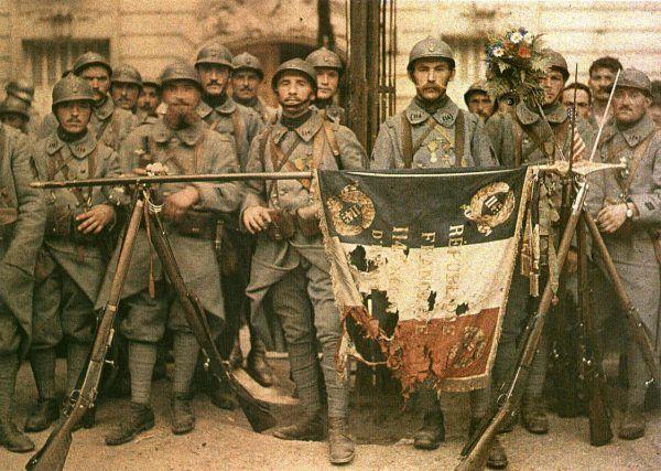 Dla przywódców państw walczących w I wojnie światowej życie żołnierzy nie miało najmniejszego znaczenia. Liczyło się tylko zwycięstwo. (fot. Léon Gimpel; lic. domena publiczna).