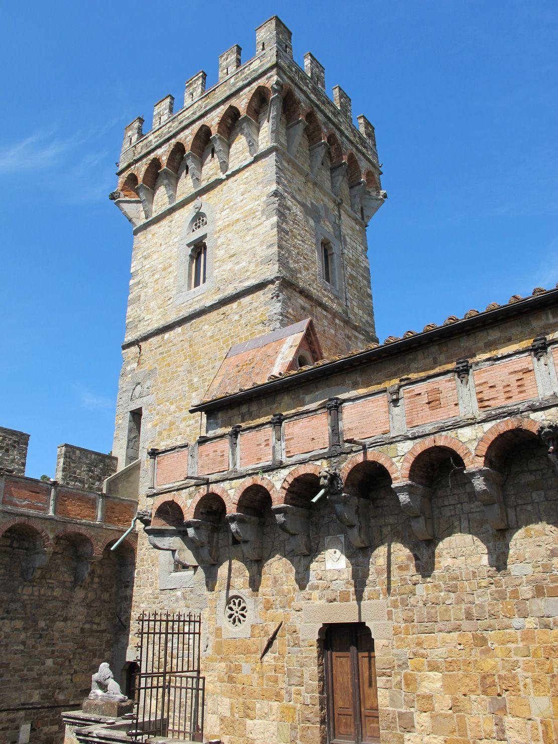 Miejsce uwięzienia naprawdę piękne, ale jak się stamtąd wydostać? To pytanie zadawał sobie de Wiart na zamku Vincigliata (fot. Sailko, lic. CC BY-SA 3.0).