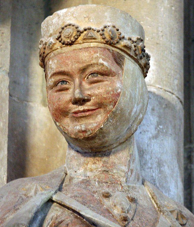 Mieszko II szczerze nienawidził swojej siostry Regelindy. Najlepszym dowodem na to był fakt, że gdy tylko objął władzę od razu złupił rządzoną przez nią Miśnię. Na ilustracji gotycka figura przedstawiające Regelindę w katedrze naumburskiej (fot. Linsengericht; lic. CC BY-SA 3.0).