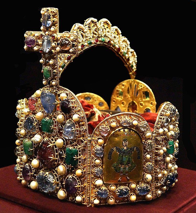 Cesarska korona władców Niemiec. Fot. Bede735c, lic. CC ASA 3,0.