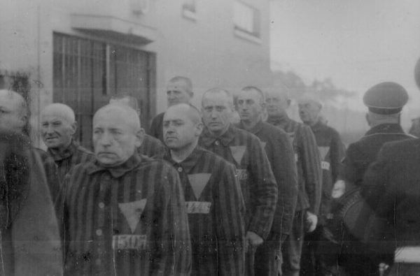 """Różowe trójkąty"" w Sachsenhausen."