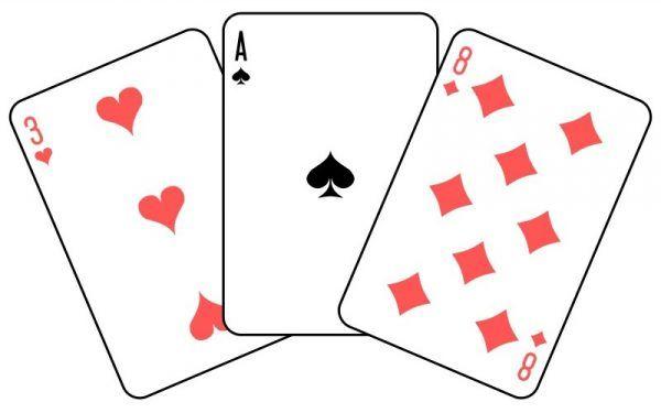 Piloci Dywizjonu 318 taki właśnie emblemat malowali na samolotach. Wkrótce przekonali się, że godnie żyć wśród Brytyjczyków jest niemal tak trudno, jak wygrać w trzy karty... (praca Dmitry Fomina z użyciem kart Mboro, domena publiczna).