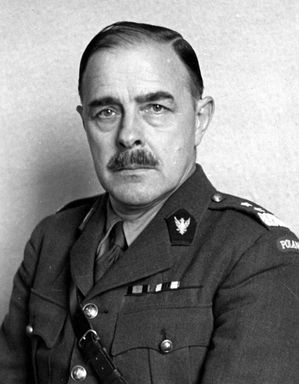 Generał Marian Żegota-Januszajtis został uznany przez NKWD za interesującego rozmówcę ponieważ trzymał się tezy, iż po ataku Niemców na ZSRR Stalinowi będzie potrzebna armia (źródło: domena publiczna).