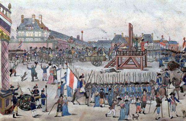 """W drodze na Plac Republiki, gdzie czekała nań gilotyna, Robespierre'owi towarzyszył tłum, drwiący z jego """"królewskich"""" zapędów (źródło: domena publiczna)."""