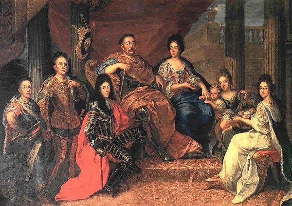 Po wielu trudach Sobiescy odnaleźli synową - nie wymarzoną, ale kochającą i oddaną. Jadwiga Elżbieta siedzi na prawo od Marysieńki, trzymając na rękach swą pierworodną córeczkę, Jakub siedzi tuż obok ojca (obraz Henri Gascara, źródło: domena publiczna).