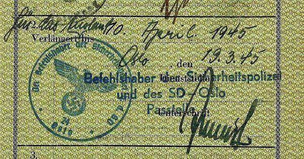 Według Krügera niemieckie paszport miały bardzo słabe zabezpieczenia. na zdjęciu przedłużenie ważności takiego paszportu przez SD w Norwegii w roku 1945 (fot. Huddyhuddy; lic. CC BY-SA 3.0).