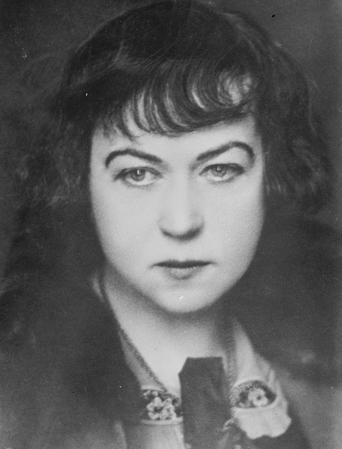 Związek Radziecki jako pierwszy zalegalizował w 1920 roku aborcję za sprawą komisarz ludowej do spraw społecznych Aleksandry Kołłontaj. Uważała ona, że m.in. w ten sposób wyeliminuje w Kraju Rad burżuazyjną obyczajowość (George Grantham Bain Collection, domena publiczna).