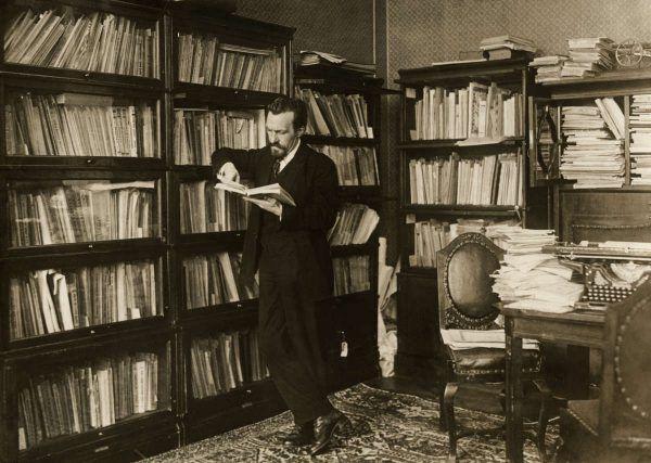 """Autorem """"genialnego"""" pomysłu produkcji niskoprocentowej wódki był premier ZSRR Aleksiej Rykow. Zdjęcie z 1924 roku (domena publiczna)."""