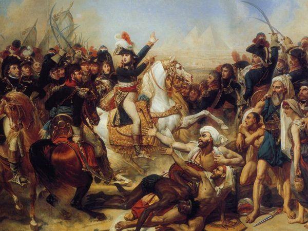 Kampania egipska w pełni pokazała, jak lekceważący stosunek Napoleon miał do własnej armii. Przedstawioną na obrazie Antoine'a-Jeana Grosa bitwę pod piramidami przyszły cesarz wprawdzie wygrał, już wkrótce jednak, stwierdziwszy, że dalsze pozostawanie w Egipcie nie ma sensu.... po prostu porzucił własne wojska i wrócił do Francji (źródło: domena publiczna).
