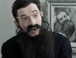 """Niektórzy z PRL-lowskich przestępców stali się prawdziwymi celebrytami. Jednym z nich był Czesław Śliwa. Na zdjęciu kadr z poświęconego mu dokumentu """"Konsul i inni"""" (1970) w reżyserii Krzysztofa Gradowskiego (koloryzacja RK)."""