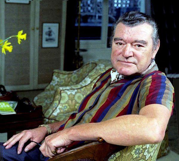 """Inspiracją dla rabusiów z Poznania był film """"Liga Dżentelmenów"""" z 1960 roku, w którym główną rolę zagrał Jack Hawkins. Grany przez niego złodziej, podpułkownik Norman Hyde, był jednak dużo sprytniejszy, niż jego polscy naśladowcy (fot. Allan Warren, lic. CC BY-SA 3.0)."""
