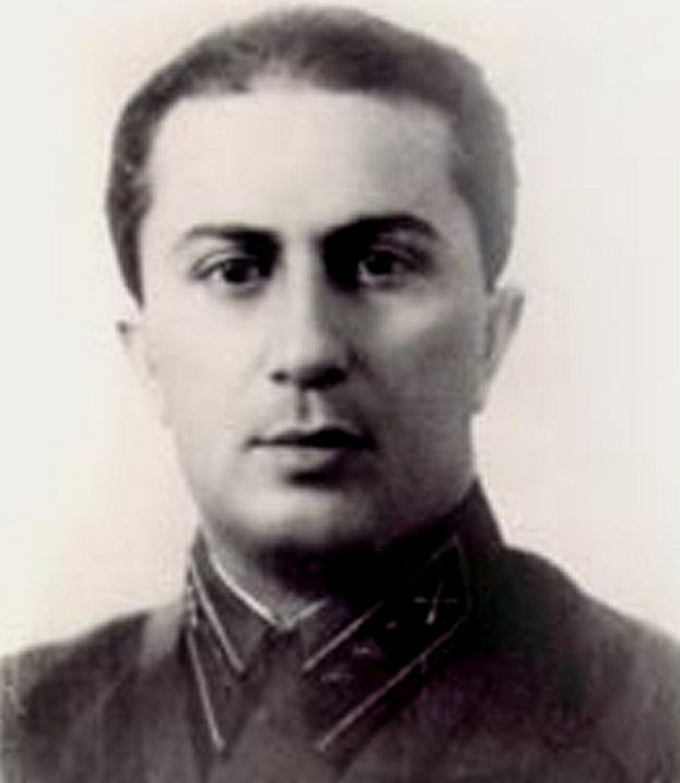 Dopiero śmierć 36-letniego Jakowa w niewoli sprawiła, że ojciec go docenił. Zdjęcie wykonano tuż przed niemiecką inwazją (domena publiczna).