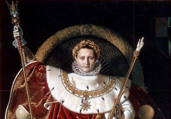 Napoleon (tu w stroju cesarskim, na obrazie Jeana Auguste'a Dominique'a Ingresa) wciąż dla wielu jest wojennym bohaterem i krzewicielem postępowych idei rewolucji francuskiej. W rzeczywistości wywołane przez niego wojny pochłonęły miliony istnień... (źródło: domena publiczna).