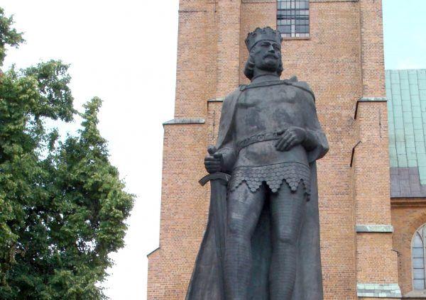Gdyby Oda odniosła sukces, dzisiaj mało kto pamiętałby o Bolesławie Chrobrym. A już na pewno nie stawiano by mu pomników (zdj. Aung, źródło: domena publiczna).