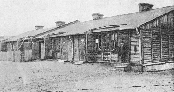 Nie lepiej prezentowały się przed 1939 rokiem baraki na Annopolu.... (źródło: domena publiczna).