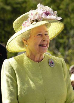 W Polsce władze na wiele lat zakazały grania utworów Panufnika. Został jednak doceniony za granicą - królowa Elżbieta II przyznała mu nawet tytuł szlachecki (źródło: domena publiczna).