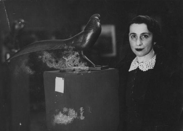Wśród Żydów ukrywanych przez Polaków w czasie II wojny światowej była między innymi rzeźbiarka Magdalena Gross (źródło: domena publiczna).