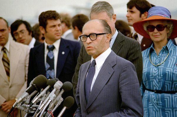 Jednym z dezerterów z Armii Andersa był między innymi późniejszy premier Izraela Menachem Begin. Na zdjęciu wykonanym w 1978 roku podczas wizyty w USA (źródło: domena publiczna).