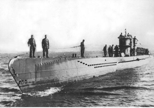 Dowódcy U-Bootów nie oszczędzali nawet łodzi rybackich. Kiedy nie mogli trafić w niewielką jednostkę torpedą, wynurzali się i ostrzeliwali załogę z broni maszynowej.