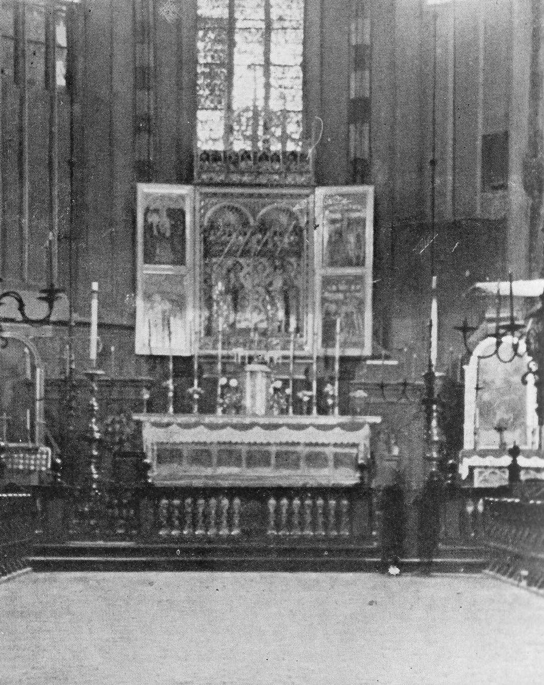 Wnętrze Kościoła Mariackiego bez ołtarza Wita Stwosza.