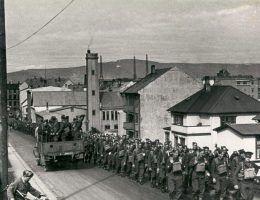 Brytyjskie wojska na ulicach Reykjawíku.