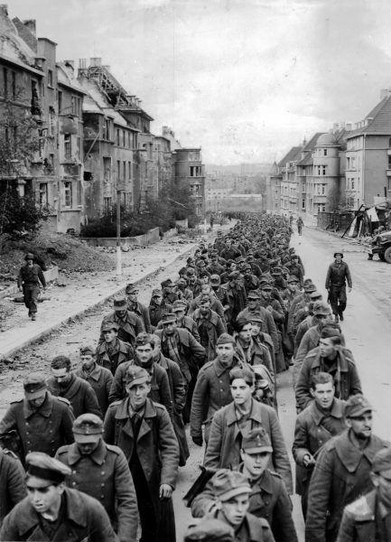 Polaków siłą wcielonych do armii niemieckiej często wyławiano spośród jeńców wojennych i wcielano do wojska polskiego.