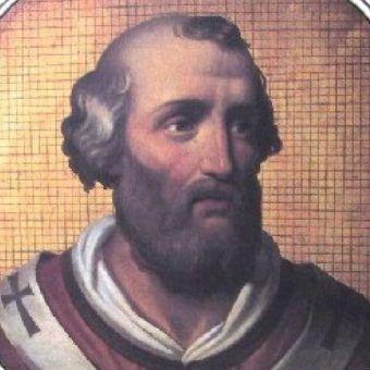 Jedna z hipotez dotycząca śmierci Jana XII mówi, że został wyrzucony wprost z sypialni swojej kochanki przez zazdrosnego męża.