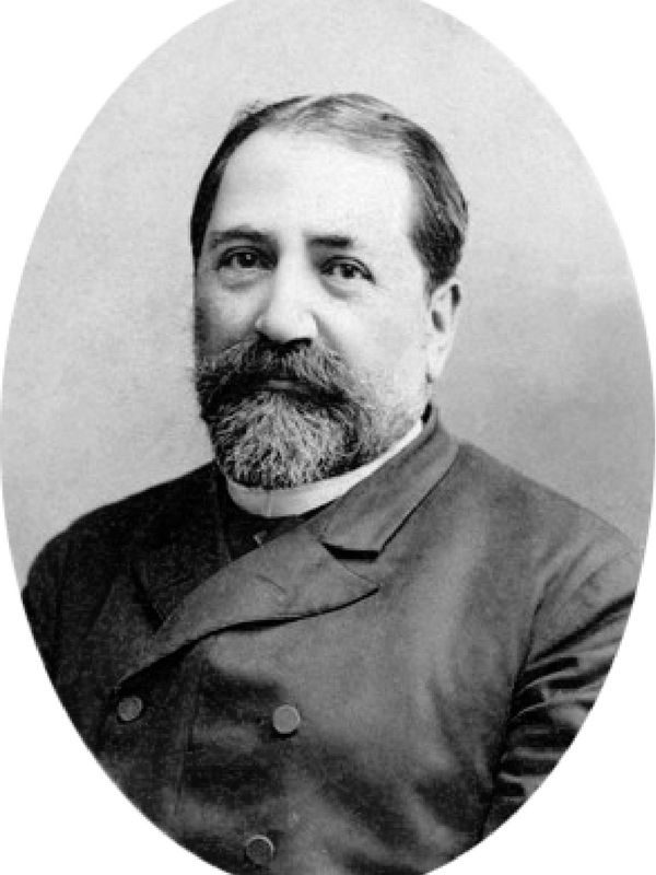 Jednym z pierwszych, który dostrzegł talent poetycki Stalina był Ilja Czawczawadze.
