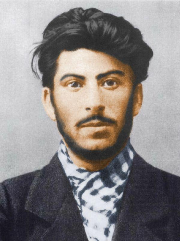 Na przełomie wieku Stalin był już zagorzałym komunistą. Zdjęcie wykonane w 1902 roku.