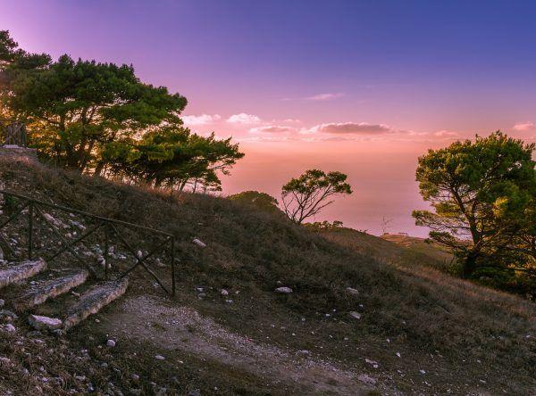 Sielskie krajobrazy Sycylii na niedługo przyniosły wytchnienie wyklętemu malarzowi.