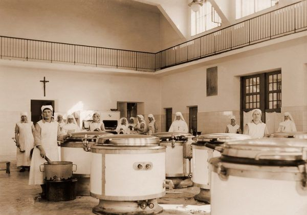 Szpitalna kuchnia.